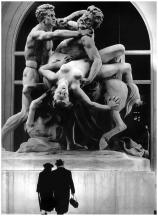 le-combat-du-centaur-1971-by-robert-doisneau