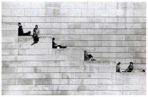 robert-doisneau-diagonal-steps-paris-1953
