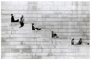 robert-doisneau-diagonal-steps-paris-1953